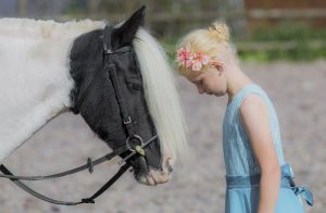 Belle-cob-child-horse-photographer - Emma Lowe Photography in Derbyshire