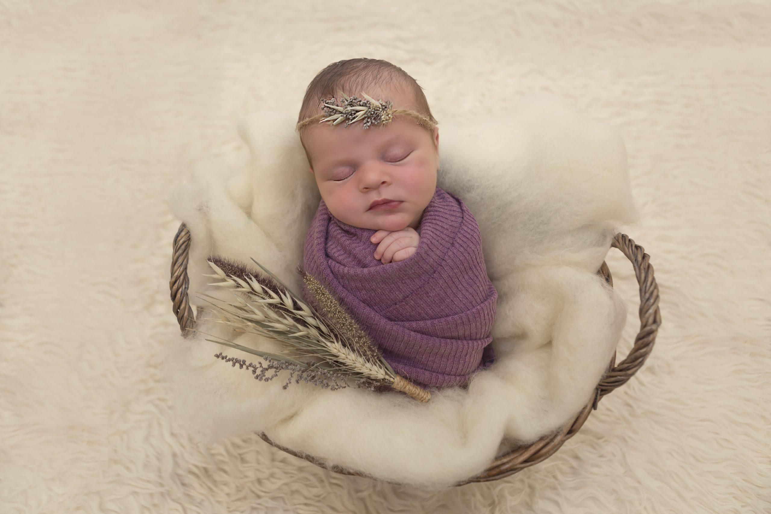 Emma Lowe Newborn Photography-CC-0041