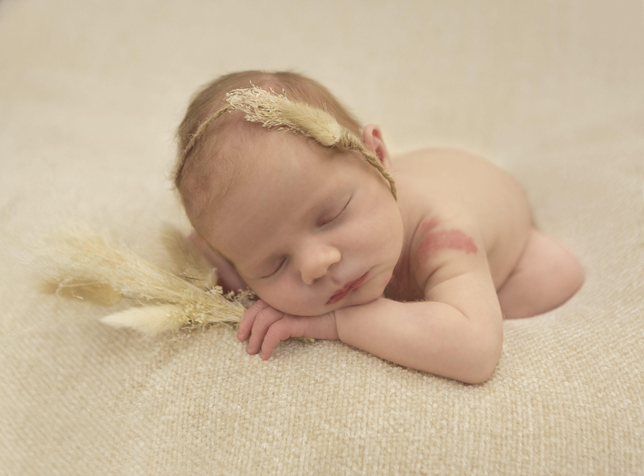 Emma Lowe Newborn Photographer - Ella -2021