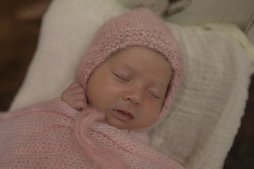 Newborn Photoshoot Emma Lowe Photo 2